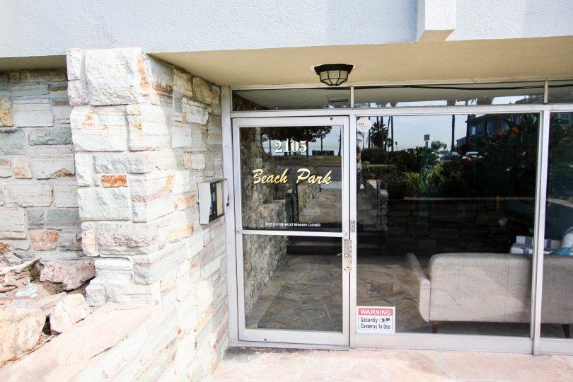 The entrance into Beach Park Condos in Long Beach, California