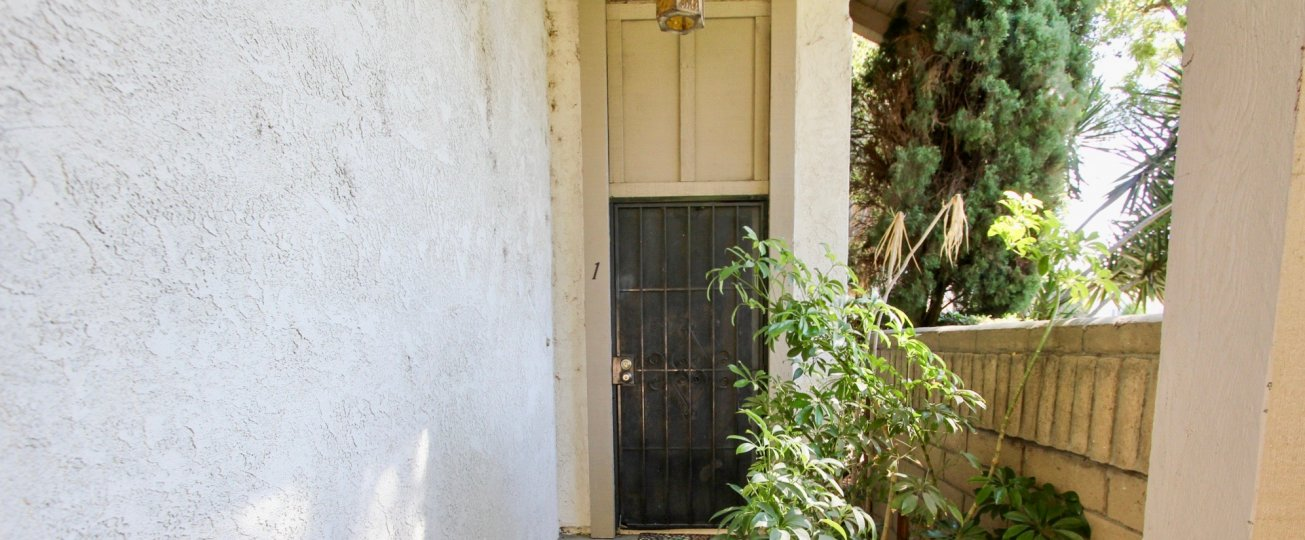 The door into a unit in Bixby Knolls