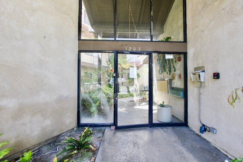 The entrance into Casa Maria in Long Beach, California