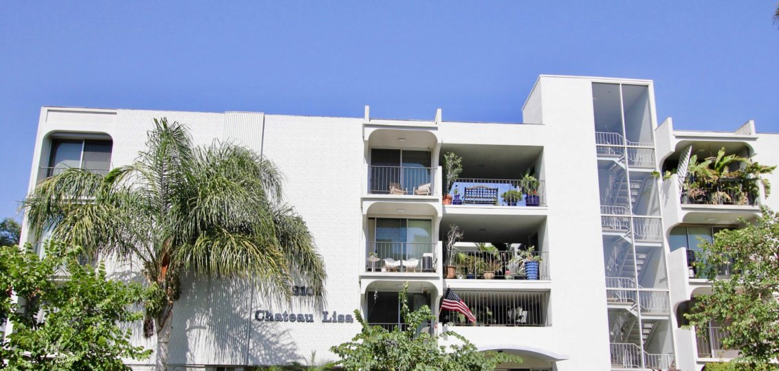 The Chateau Lisa name on the building in Long Beach, California
