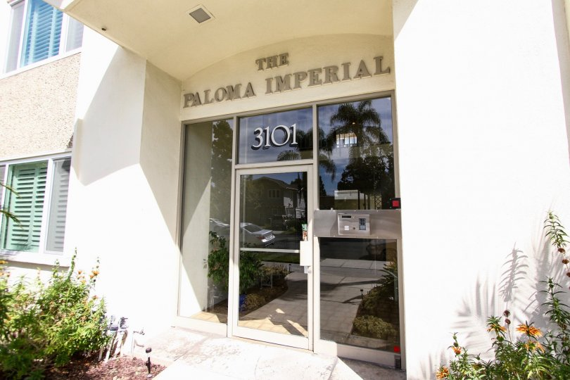 The Paloma Imperial name above the entrance
