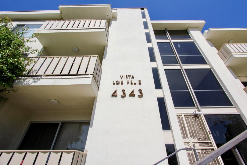 The address for Vista Los Feliz on the building in Los Feliz, California