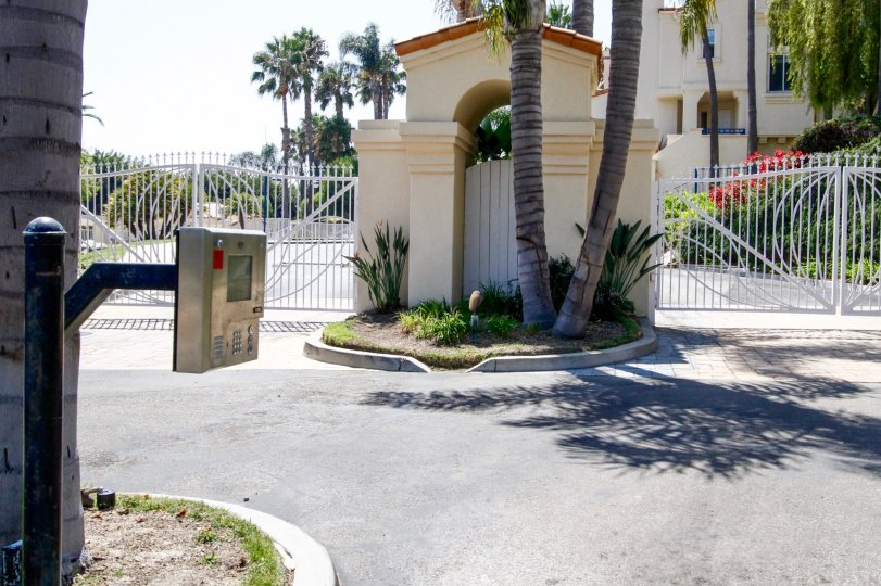 The entrance into The Pointe at Malibu