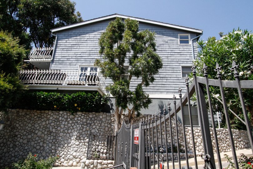 The gate into the Vista Pacifica in CA California