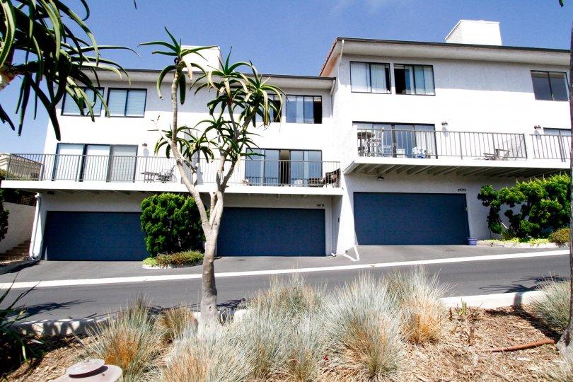 The Zuma Bay Villas building