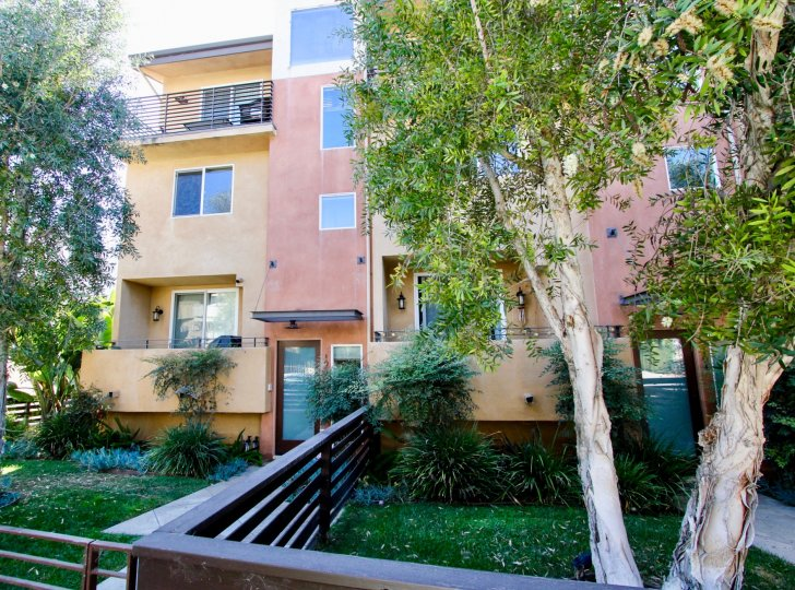The view of Moore Street Townhomes in Mar Vista, California