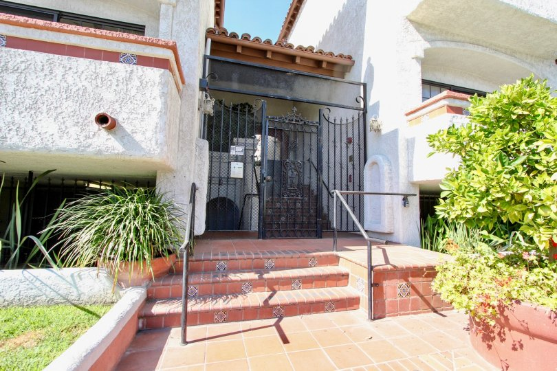 The entrance into The Villas on Sawtelle
