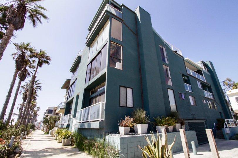 The 1 Buccaneer building in Marina Del Rey