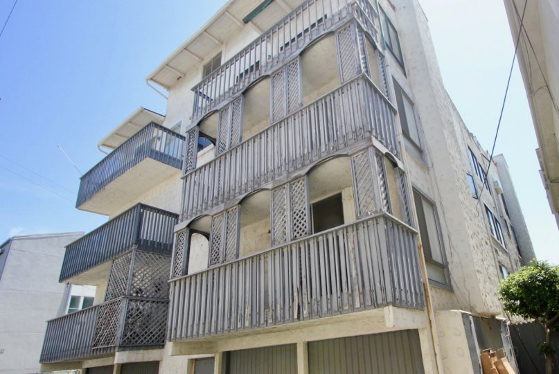 A three storey mansion at marinel del rey surrounded by grills
