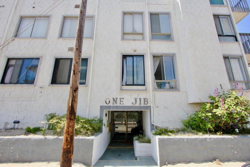 the entrance view of 1 Jib, Marina Del Rey, California