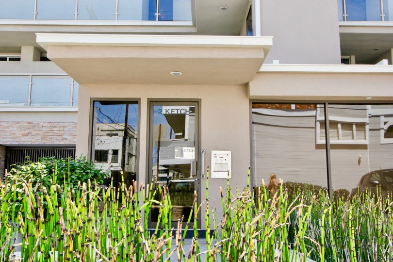 2 Ketch offers a variety of apartment sizes for anyone wanting to live in Marina Del Rey