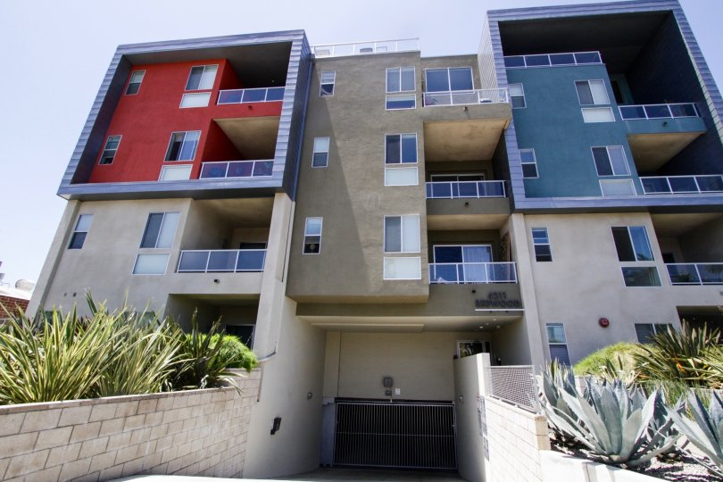 The balconies at 4211 Redwood in Marina Del Rey