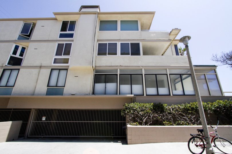 A view of the 6 Northstar architecture in Marina Del Rey