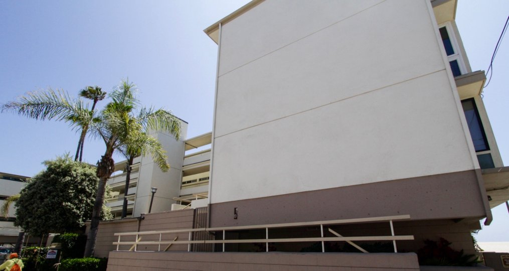 A view of the side of 6 Northstar in Marina Del Rey