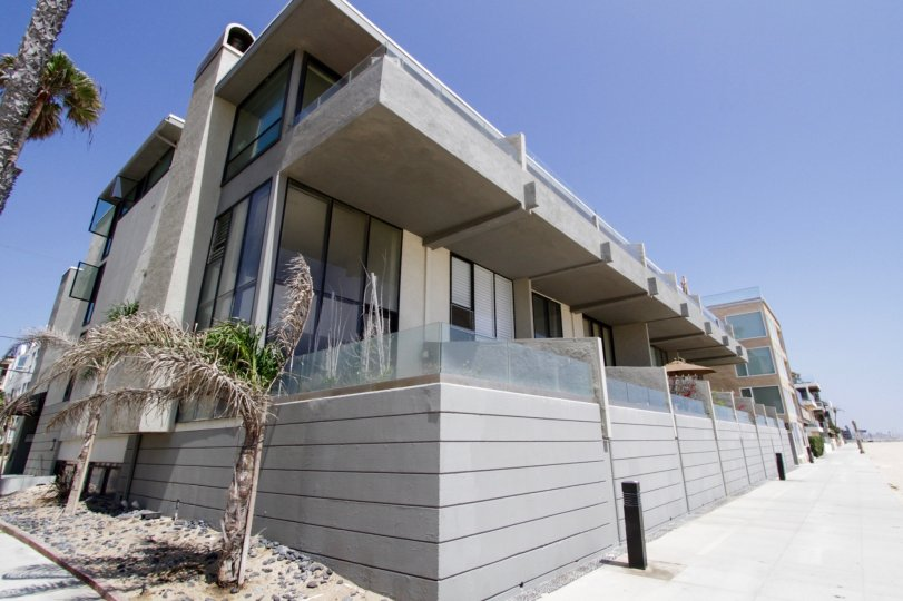 The fenced patios of units at 6 Voyage in Marina Del Rey
