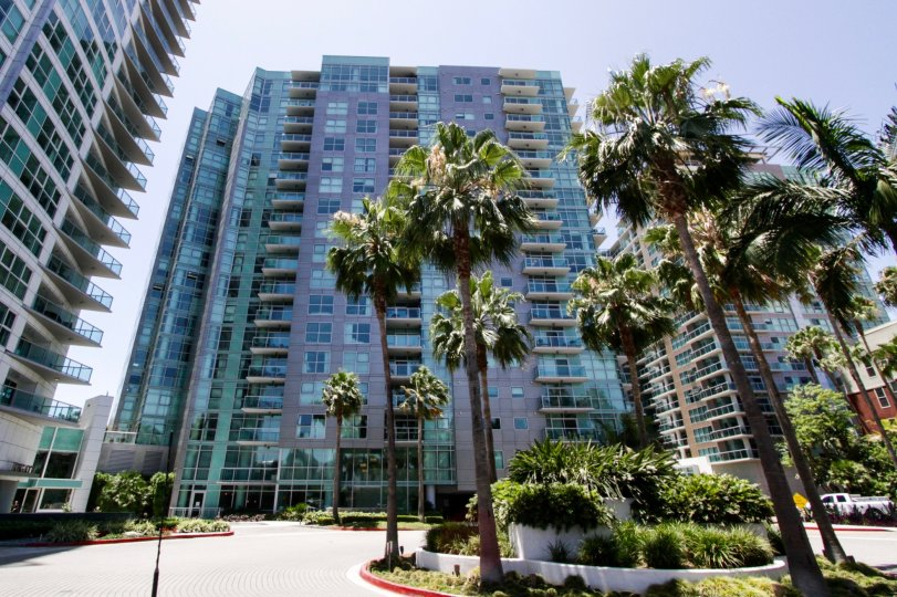 Azzurra condos lofts townhomes for sale azzurra real for Houses for sale marina del rey