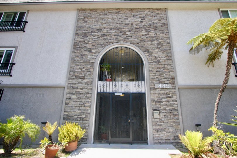 Lovely complex, Casa Del rey, has beautiful exposed stone work and well maintained gardens