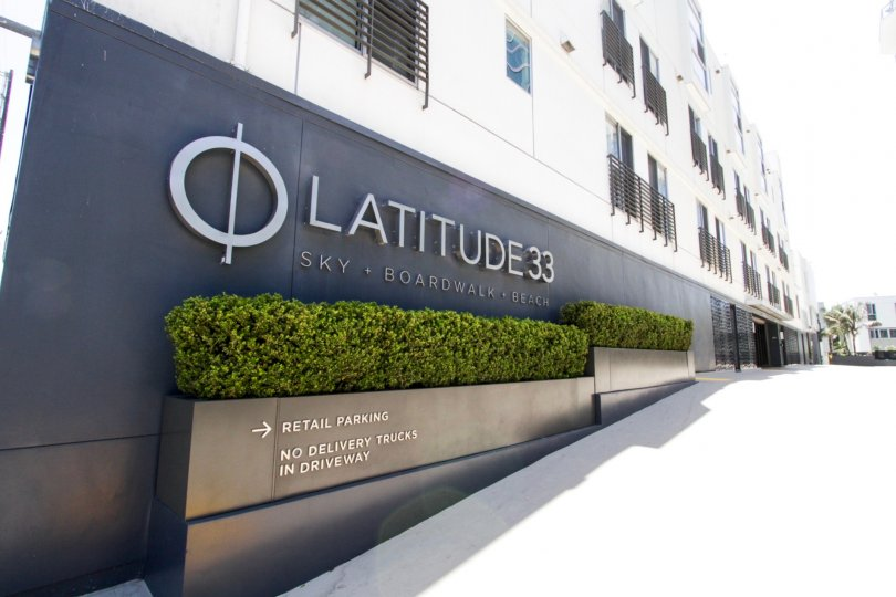 The landscaping outside of Latitude 33 Boardwalk Collection in Marina Del Rey