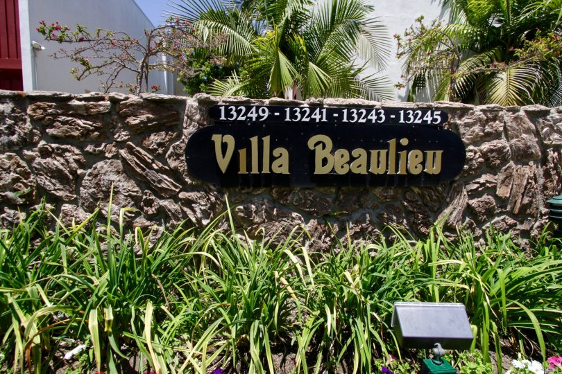 The welcoming sign into Villa Beaulieu