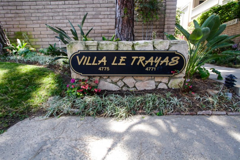 The sign welcoming people into Villa Le Trayas in Marina Del Rey