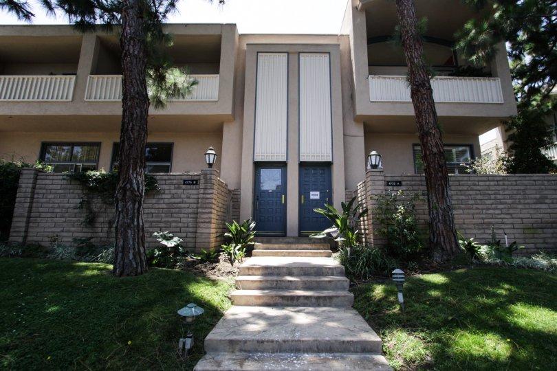 The entrance into the units at Villa Le Trayas in Marina Del Rey