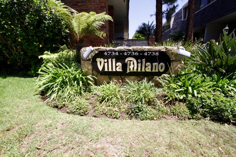 The sign welcoming you into Villa Milano in Marina Del Rey