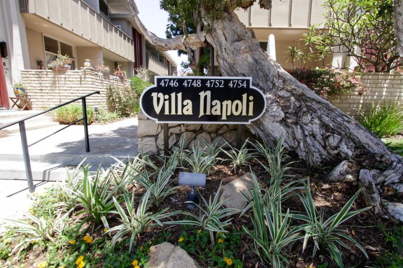 The sign welcoming you into Villa Napoli in Marina Del Rey