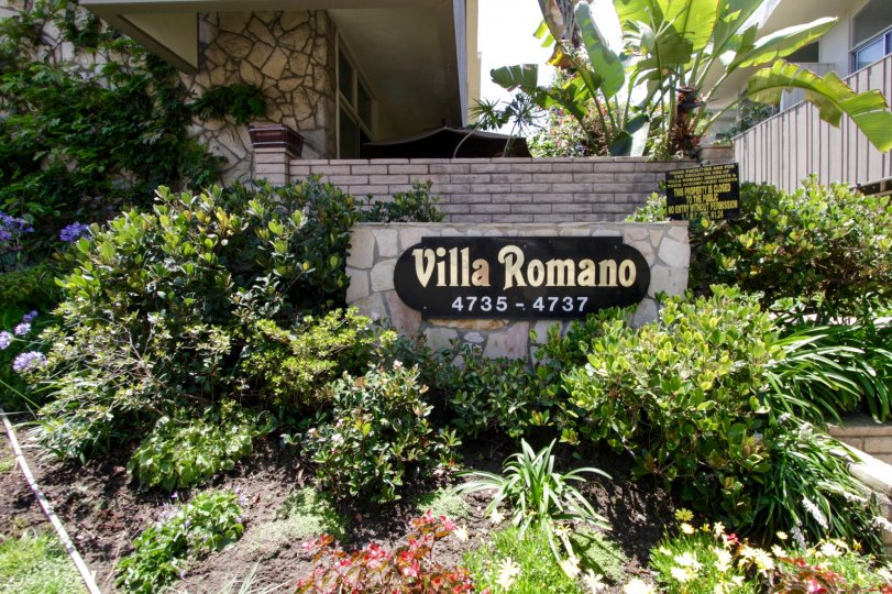 The welcoming sign into Villa Romano in Marina Del Rey