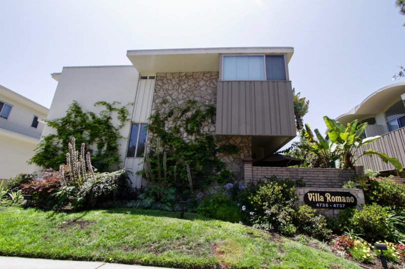 The Villa Romano building in Marina Del Rey