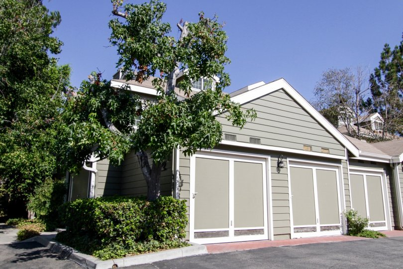 The garage for Cambridge Glen in North Hollywood