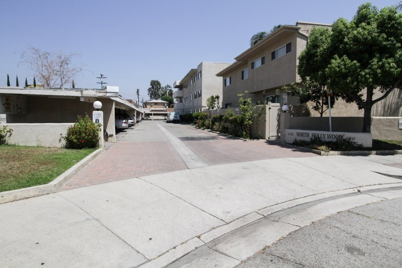 The street leading to the North Hollywood Terrace
