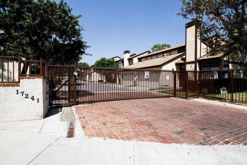 The entrance into 17241 Roscoe Blvd in Northridge CA