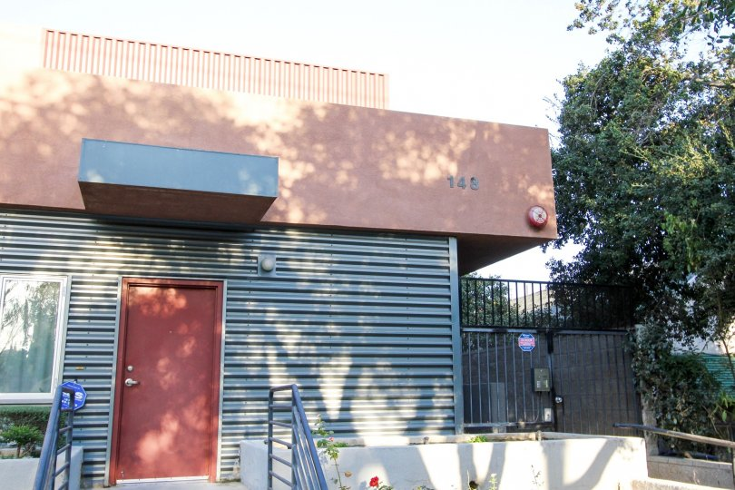 The address on the building at 148 N Mar Vista Ave in Pasadena, California