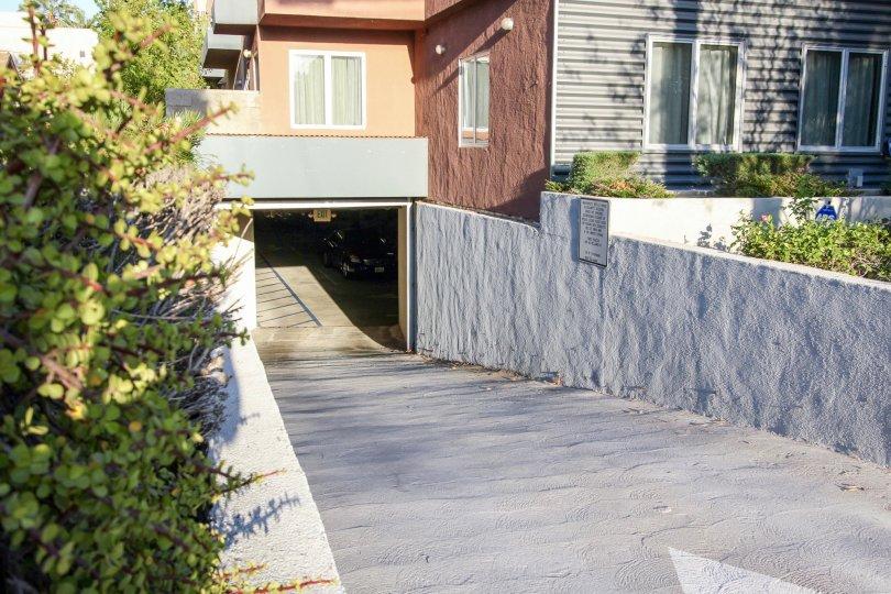 The parking garage at 148 N Mar Vista Ave