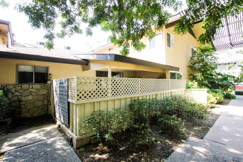 The privacy fence around 385 Cliff Dr in Pasadena, California