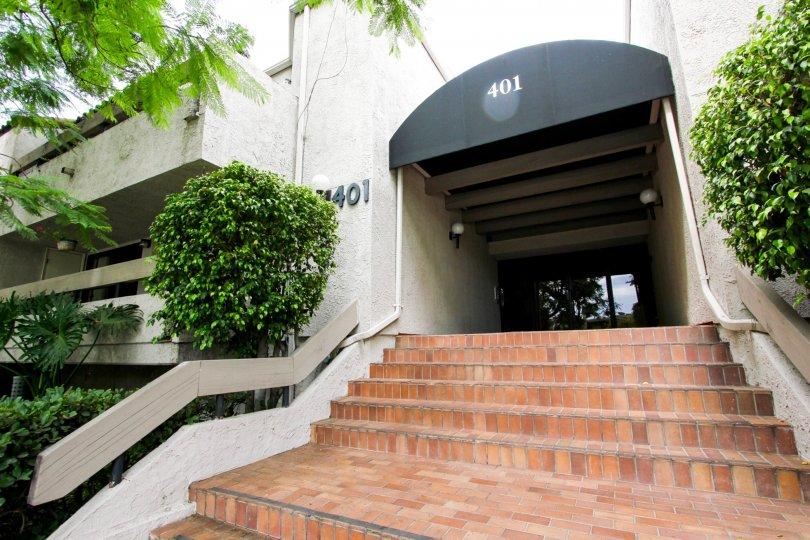 The address for 401 E California Blvd in Pasadena, California