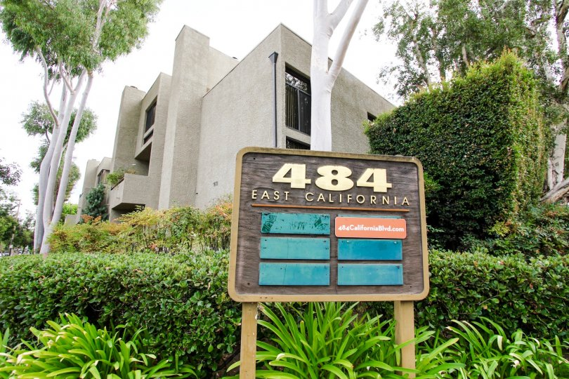 The address for 484 E California Blvd in Pasadena, California