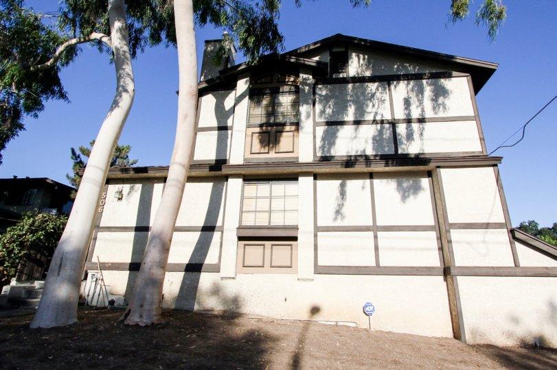 The view of 506 N Mar Vista Ave in Pasadena, California