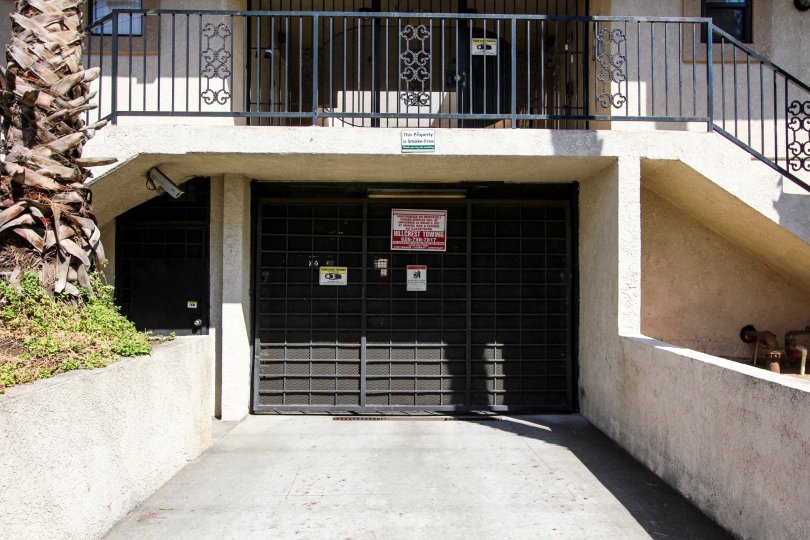The parking gate at 720 N Garfield Ave in Pasadena, California