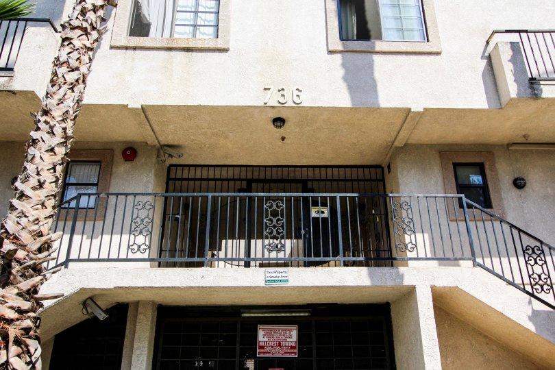 The terrace at 736 N Garfield Ave in Pasadena, California