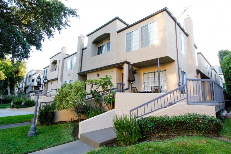 The complex at 77 North Townhomes in Pasadena, California