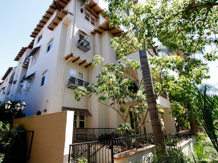 The view of the Corta Bella building in Pasadena, California