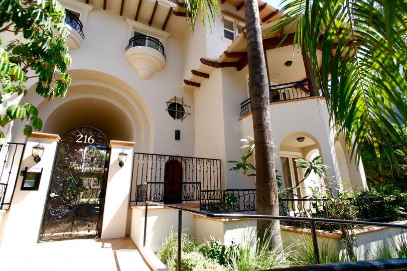 The entryway into Corta Bella in Pasadena, California