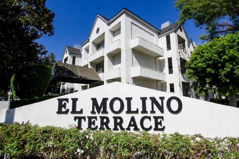 The sign leading into El Molino Terrace in Pasadena, California