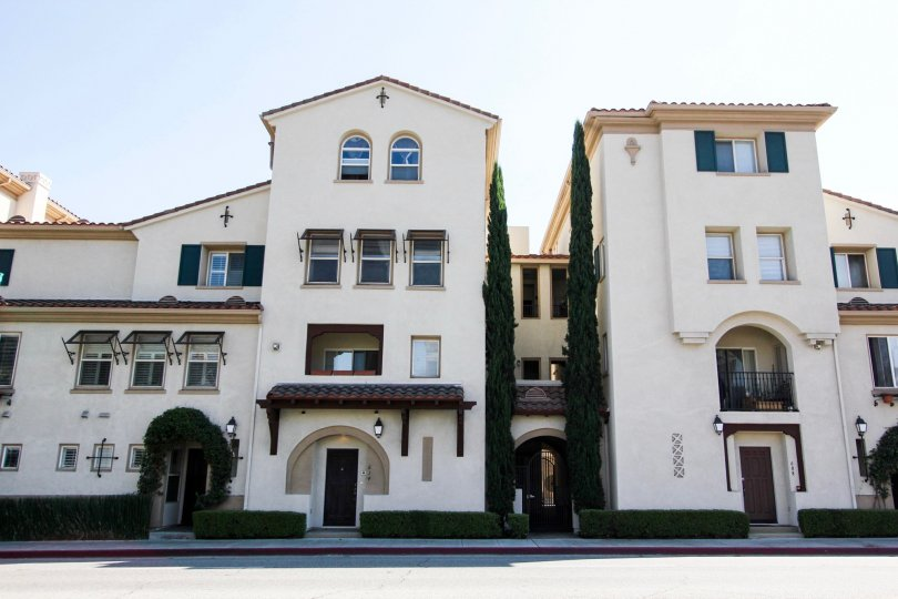 The Hertiage Walk building in Pasadena