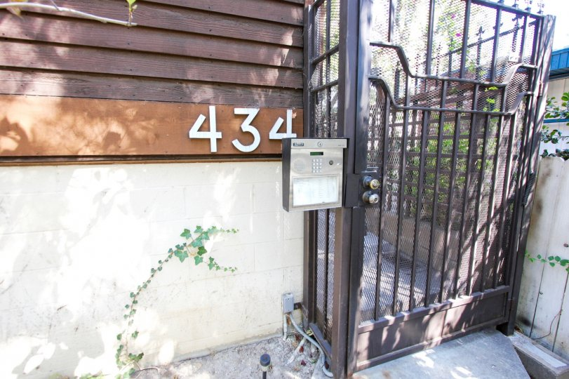 The address for Oakland  Condominiums on the building