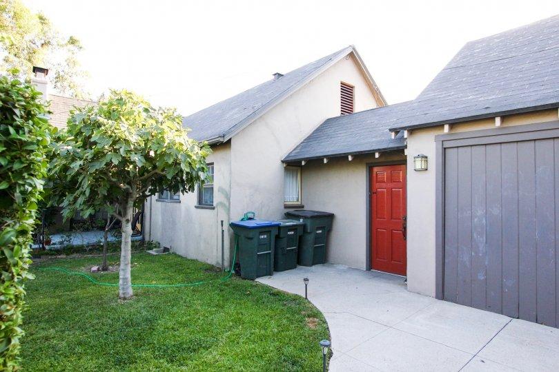 The entrance into Orange Grove Terrace in Pasadena, California