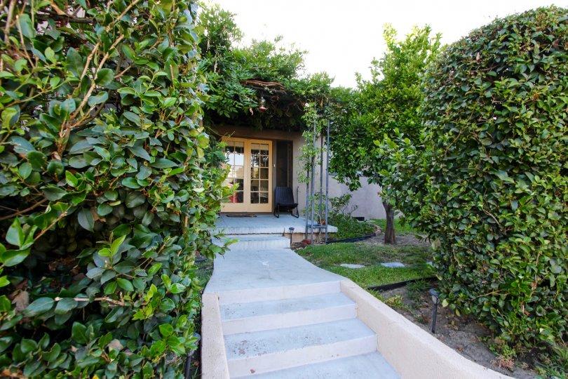 The wlakway up to Orange Grove Terrace in Pasadena, California