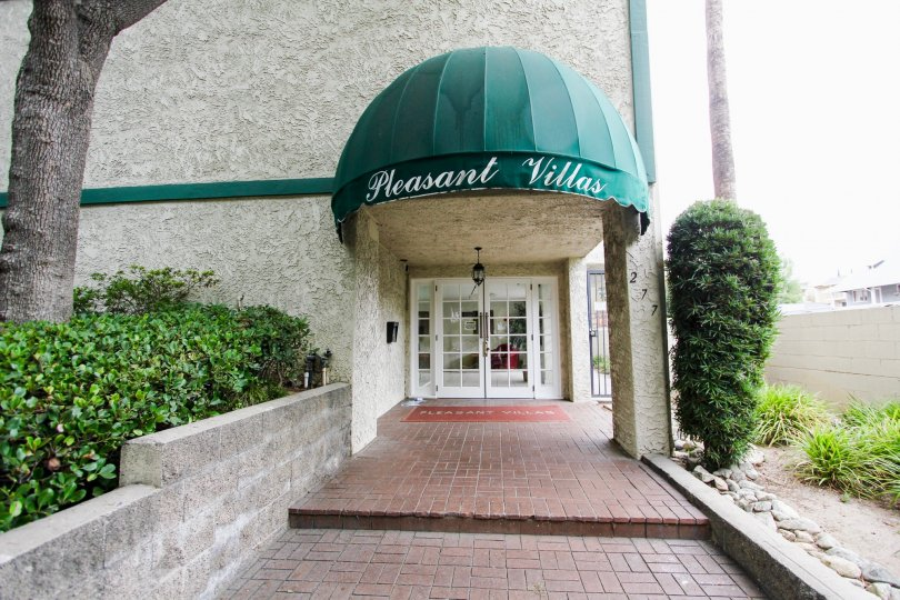 The entrance into Pleasant Villas