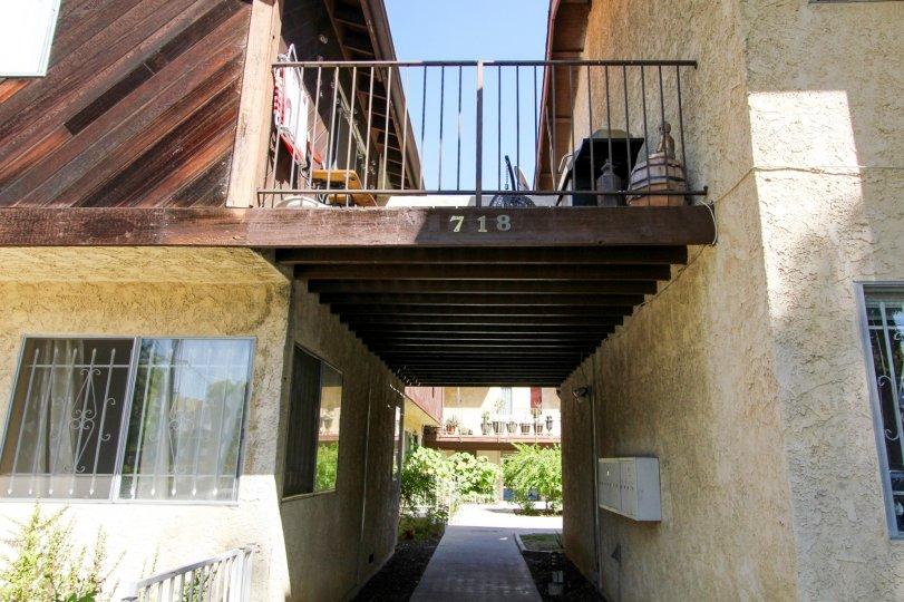 The address for Raymond Condominiums in Pasadena, California